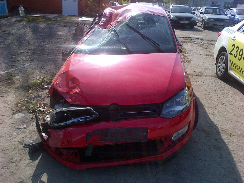 Ремонт автомобиля Volkswagen Polo после аварии